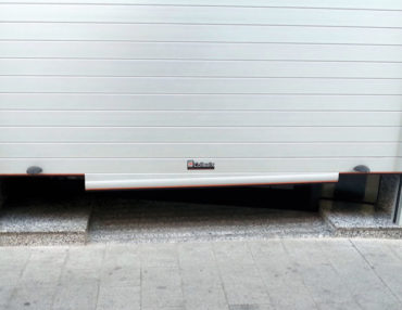 puerta enrrollable perfil-abajo